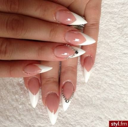 Red Stilettos Nails With Black Tips With Images Red Stiletto