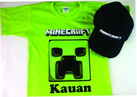 Camisetas e boné do Minecraft O boné é ideal para crianças a partir de 4  anos Personalizamos com o nome e idade do seu filho ou filha. 7914a69a5db