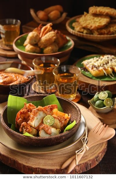 Find Batagor Popular Sundanese Snack Fried Fish Stock Images In Hd And Millions Of Other Royalty Free Stock Photos Illustr Fotografi Makanan Makanan Fotografi