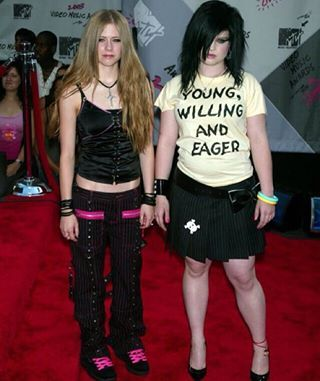 Because then they'd harmonize perfectly with the outfits Avril Lavigne and Kelly Osbourne are wearing here.