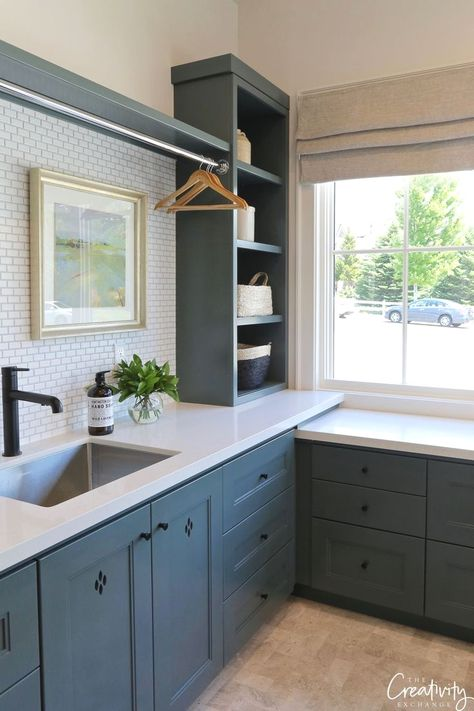 It's been awhile since I have done a Color Spotlight and today I wanted to highlight Benjamin Moore Knoxville Gray, which is a breathtaking moody color that I have fallen in love with this last