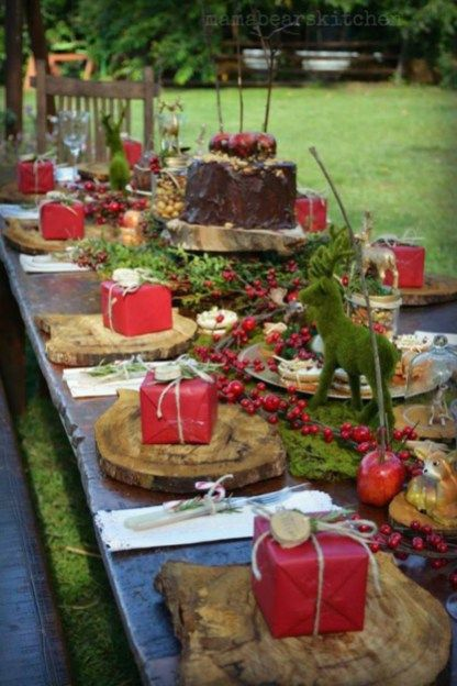 Loveable Outdoor Christmas Table Settings Ideas 11 Christmas Table Decorations Christmas Tablescapes Christmas Eve Dinner
