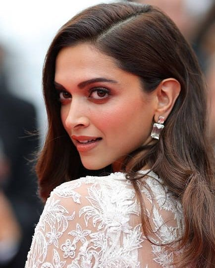 That Angelic Face I Was Not Ready For This Deepikapadukone Deepikapadukone Deepikaatcan Eyebrow Shape Perfect Eyebrows Perfect Eyebrow Shape
