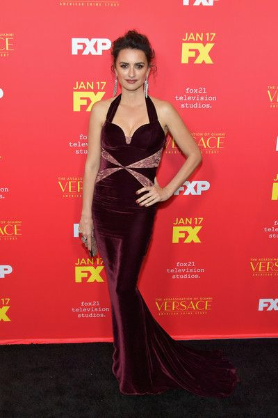 "Actor Penelope Cruz attends the premiere of FX's ""The Assassination Of Gianni Versace: American Crime Story"" at ArcLight Hollywood on January 8, 2018 in Hollywood, California."