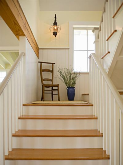 Small Stairwell Landing Decorating Stair Decor Staircase Design Large Hallway