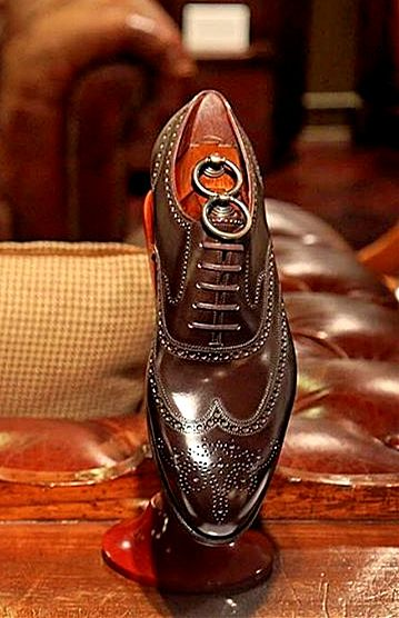 Handcrafted leather shoes for sale in