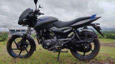Bajaj Pulsar 125 First Ride Review Pulsar Motorcycle Companies Duke Bike