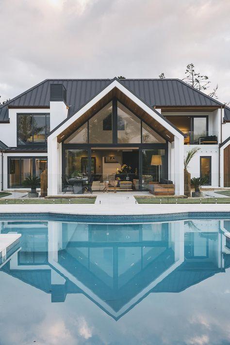 Dream Home Design, Modern House Design, Bungalow, Modern Farmhouse Exterior, Farmhouse Ideas, Design Exterior, Dream House Exterior, House Exteriors, Looks Cool