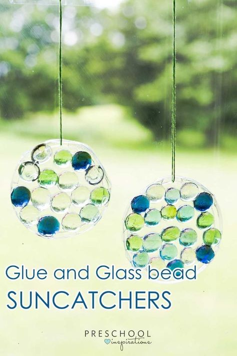 Easy Glass Gum and Glue Suncatcher Craft For Preschoolers: An easily customizable craft for preschoolers to make for a gift or as a fun sunny day display. Turn into a Mother's Day gift.