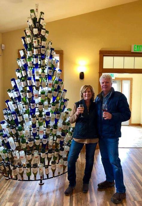 Wine Bottle Christmas Tree, Wine Bottle Trees, Wine Tree, Gold Christmas Decorations, Christmas Tree Themes, Christmas Village Display, Xmas, Christmas Angels, Handmade Home Decor