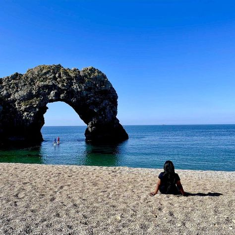 """Sidrah Batool on Instagram: """"Staycation😍, Loved This Trip To Dorset, Gorgeous Blue Sea💙 No Filters Needed✨ #durdledoor #beach #bluesea #nofilter #inlove #travel…"""""""