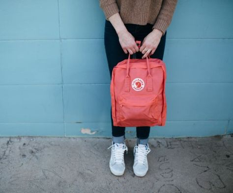 #Kanken backpacks are made of Vinylon, which is lightweight, durable and water repellent. Modern versions include mini and laptop, plus Fjällräven has added even more colors.  #backpack #design #bag