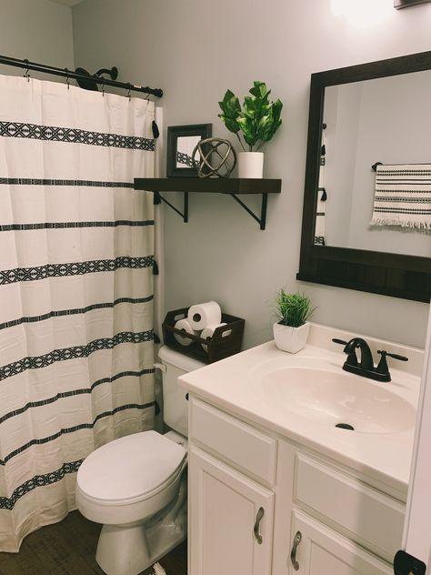 Bathroom Renos, Bathroom Interior, Bathroom Tray, Bathroom Layout, Plywood Furniture, Yellow Bathroom Decor, Peach Bathroom, Bathroom Theme Ideas, Small Bathroom Ideas