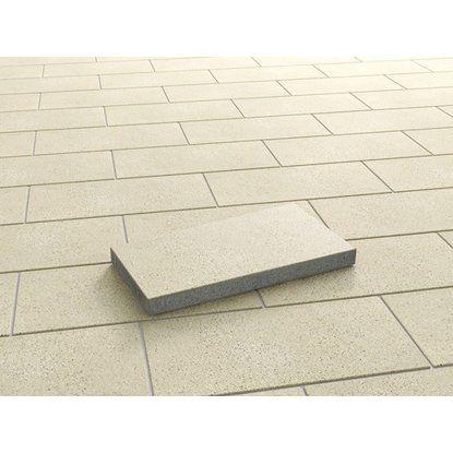 Terrassenplatte Beton Las Vegas Sandbeige Wassergestrahlt 60 Cm X 25 Cm X 5 Cm Kaufen Bei Obi Terrassenplatten Terrassenbelag Strahler