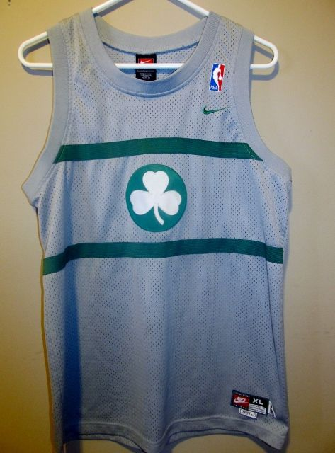reputable site 4d4e0 d6f10 boston celtics jersey retro