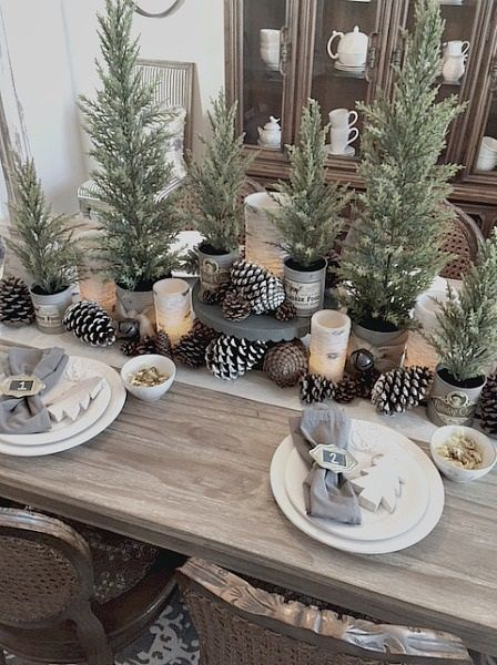 kitchen decorating rustic christmas table decorations xmas table with christmas table settings ideas Christmas Table Settings, Christmas Tablescapes, Rustic Table Settings, Holiday Tablescape, Thanksgiving Table Settings, Noel Christmas, Winter Christmas, Christmas Movies, Christmas 2019