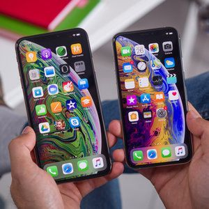 Lawsuit says Apple lied about the new iPhone XS screen size