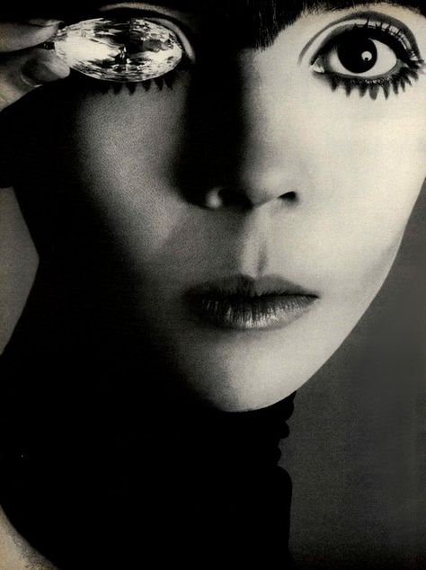 Vogue Editorial The Penelope Tree, October 1967 Shot #4