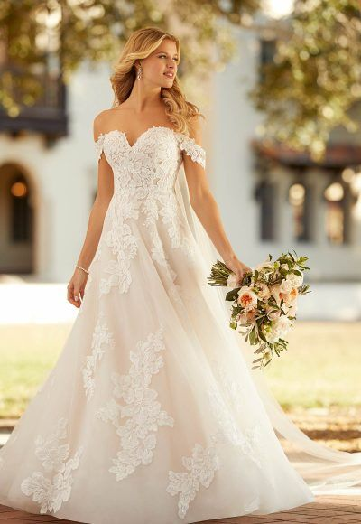 Wedding Dress Pictures, Fall Wedding Dresses, Short Girl Wedding Dress, Southern Wedding Dresses, Strapless Wedding Dresses, Country Wedding Gowns, Most Beautiful Wedding Dresses, Wedding Dresses With Straps, Sweetheart Wedding Dress