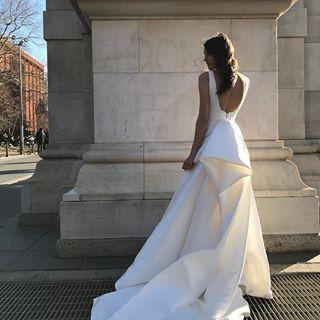 Monique Lhuillier Moniquelhuillier Instagram Photos And Videos Monique Lhuillier Wedding Dress Wedding Dresses Monique Lhuillier Bridal