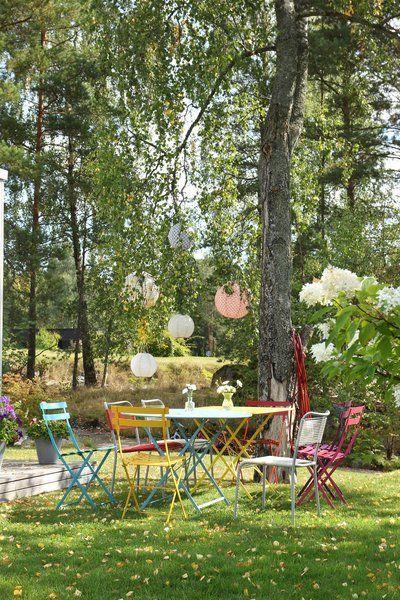 Schoner Sitzen Unsere 8 Lieblingsstuhle Fur Balkon Und Garten In 2020 Garten Gestalten Garten Garten Ideen Gestaltung Vorgarten