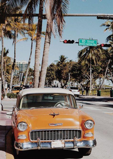 Aesthetic Pastel Wallpaper, Retro Wallpaper, Aesthetic Backgrounds, Aesthetic Wallpapers, Vintage Phone Wallpaper, Miami Wallpaper, Classic Wallpaper, Orange Aesthetic, Beach Aesthetic