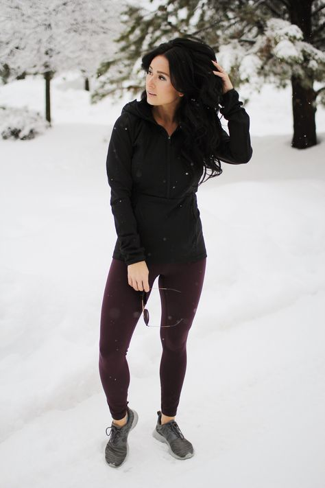 Tips For Running In The Cold | how to run in the cold | winter running tips | winter running outfit ideas | winter running gear | winter running outfit for women | workout outfits winter | workout clothes winter | cute running outfit ideas | Darling, Be Daring #winterworkout #runningoutfit