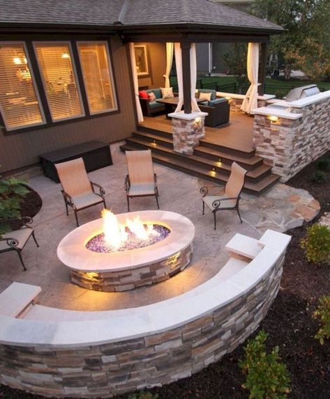 No matter how much space you have outside your house for a patio, you could always start to find small backyard seating area ideas suiting your budget Small Backyard Patio, Backyard Seating, Fire Pit Backyard, Pergola Patio, Pergola Kits, Patio Stone, Patio Privacy, Flagstone Patio, Concrete Patio