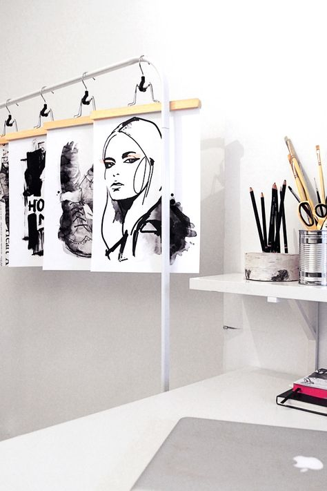great idea for hanging wet Watercolours or in recent/ in progress works on paper