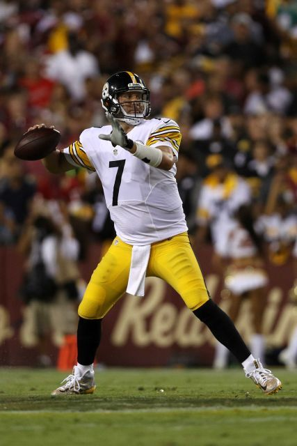 Roethlisberger Throws 3 TDs In Win Over Washington