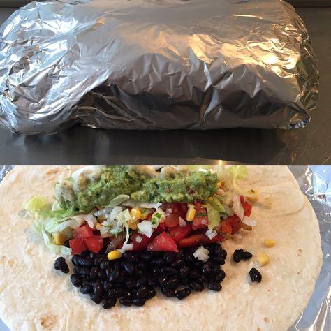 Vegetarische burrito op werk met een collega