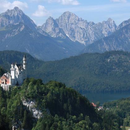 Blick Auf Die Konigsschlosser Neuschwanstein Und Hohenschwangau Wandern Bayern Tourismus Touren