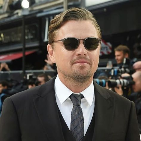 """Leonardo DiCaprio 🌱♻️ on Instagram: """"New pic of Leo at the new premiere of the movie in London 💕😻 #leonardodicaprio #leodicaprio #dicaprio #onceuponatimeinhollywood"""""""