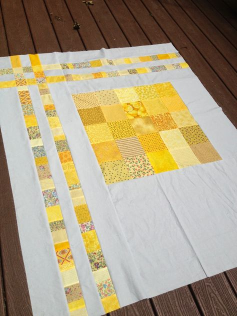 Great scrappy quilt from Quiltn in Wilton Quilting For Beginners Made Easy Quilting for beginners ma Owl Quilts, Scrappy Quilts, Easy Quilts, Mini Quilts, Quilt Baby, Baby Quilt Patterns, Quilt Patterns For Beginners, Owl Patterns, Backing A Quilt