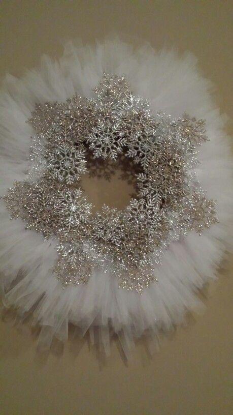 Snowflake wreath make by Pam