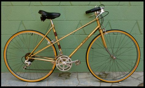 Vintage Motobecane mixte (from SF Bay Craigslist ad via prettymixte.tumblr.com)