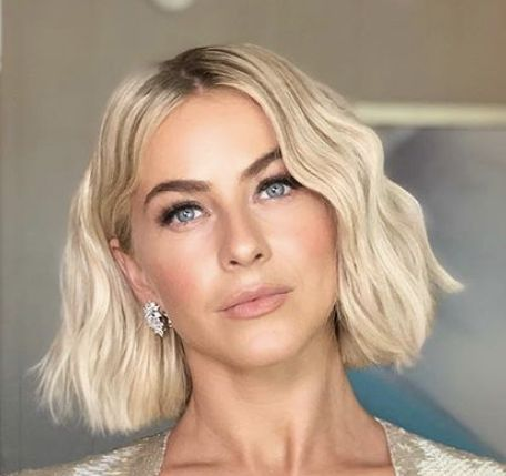 Julianne Hough Blunt Blond Bob Haircut 2019 Julianne Hough Short Hair Medium Bob Hairstyles Blonde Blunt Bob