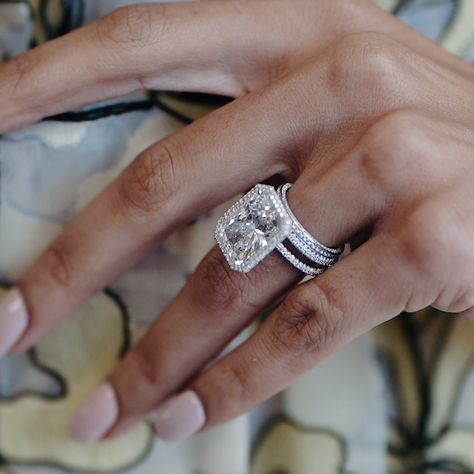 A 10 Carat Diamond You Need to See