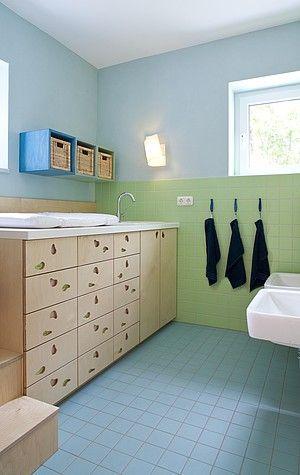 Raume Der Geborgenheit Und Heiterkeit Caparol Kind Badezimmer Kita Raume Raumgestaltung
