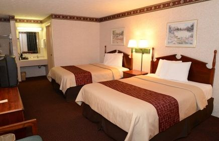 Affordable, Pet Friendly Hotel In Manchester, Tennessee! Red Roof Inn U0026  Suites Manchester, TN | Stay With Red Roof | Pinterest | Red Roof, ...