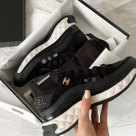 luxury shoes Chanel sneakers, resort white, black or cream Chanel Sneakers, Sneakers Mode, Black Sneakers, Sneakers Fashion, Fashion Shoes, Sneaker Outfits, Zapatillas Louis Vuitton, Expensive Shoes, Dream Shoes