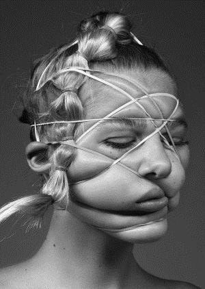 Human Figure Distortion Hkb Photography Body Image Photography Rankin Photography Distortion Art