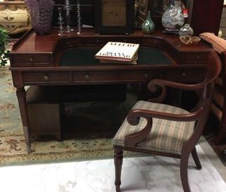 Genial Lexington Furniture Arnold Palmer Home Collection Sheraton Style Desk With  A Gallery Of Drawers Around The Leather Top. Regency Style, Mahogany Finu2026
