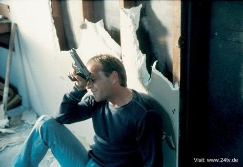 24 Wallpaper: Kiefer Sutherland