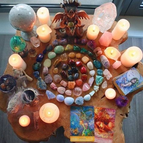 Wiccan Decor, Pagan Altar, Crystals And Gemstones, Stones And Crystals, Mundo Hippie, Crystal Altar, Crystal Healing, Baby Witch, Health Heal