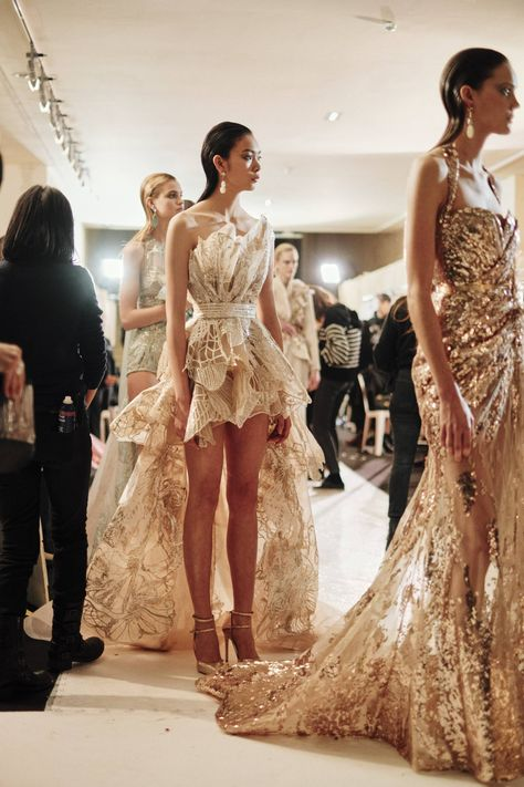 See all the Backstage photos from Elie Saab Spring/Summer 2019 Couture now on British Vogue Elie Saab Couture, Haute Couture Gowns, Haute Couture Fashion, Couture Dresses, Fashion Dresses, Couture Bridal, Fashion Clothes, Elie Saab Spring, Runway Fashion