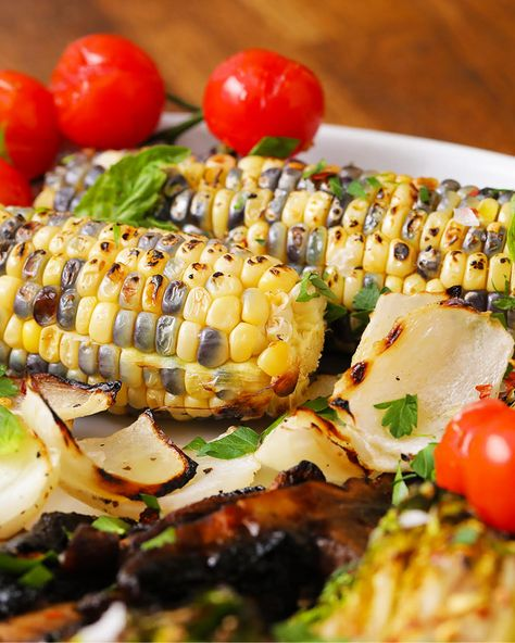 Celebrate the start of grilling season with this char-grilled vegetable platter. Private Selection has a variety of fresh produce to include in this deliciously vibrant platter!