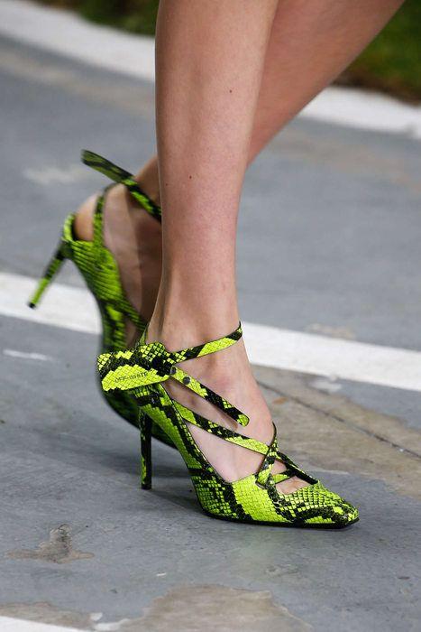 Pin su Shoes Inspo