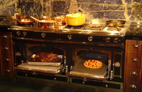 La Cornue Chateau Cooker two ovens cooking. | La Cornue Kitchens ...