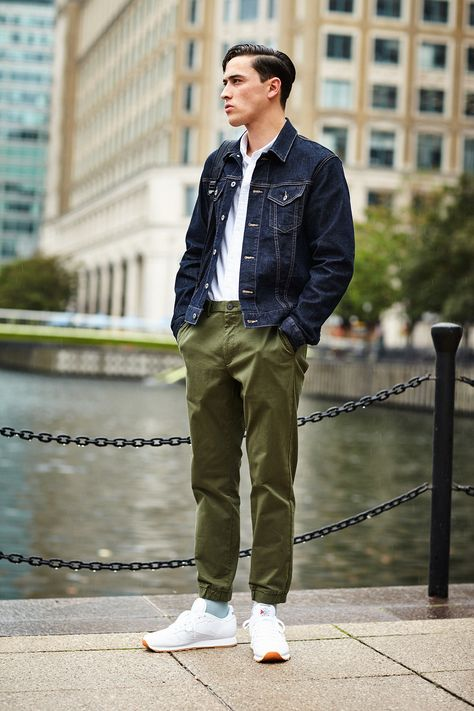 Transitioning into fall style. Bring on the denim jackets! http://uniqlo.us/2dYu6mO